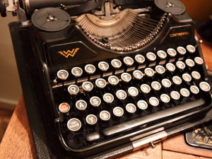 Picture of Old-Fashioned Typewriter